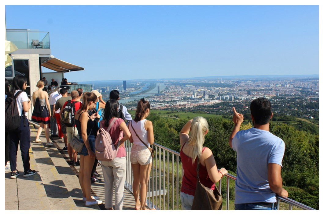 Perfect Day Kahlenberg viewpoint view Vienna.jpg