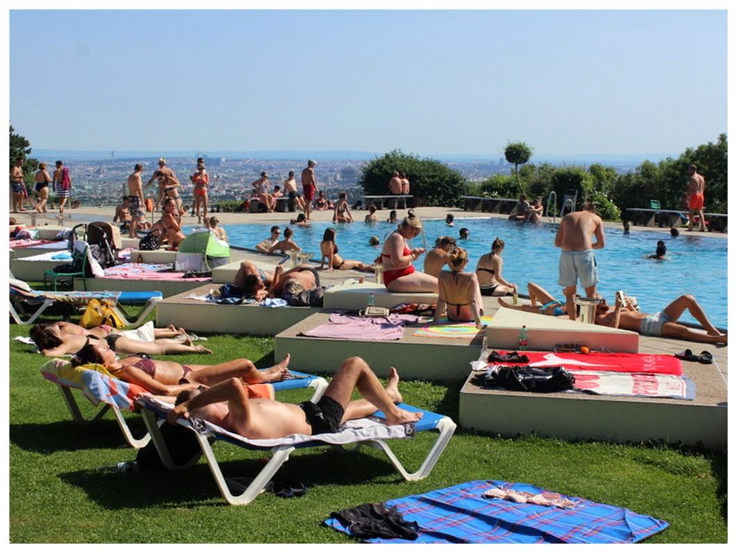 Perfect Day Krapfenwaldbad swimming pool Vienna view chill.jpg